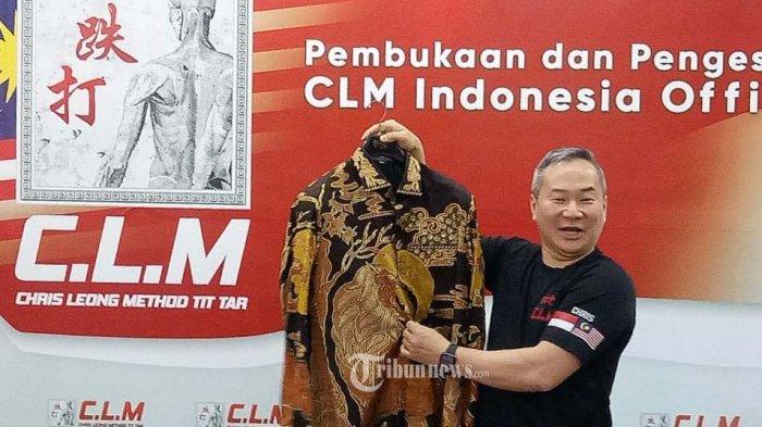 Master Chris Leong dari Malaysia, praktisi spesialis pengaturan tulang.