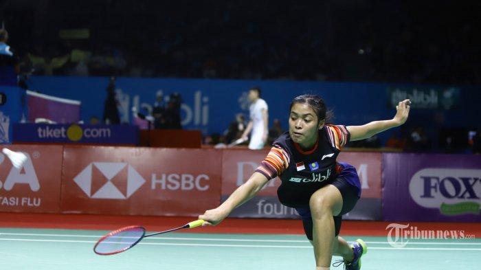 Gregoria Mariska Tunjung saat bertanding pada babak II Indonesia Open 2019, di Istora Senayan Jakarta, Kamis (18/7/2019). Gregoria harus menyudahi perlawanan setelah dikalahkan Ratchanok Intanon setelah bermain tiga set dengan skor 13-21, 21-19, dan 21-15. TRIBUNNEWS/HERUDIN