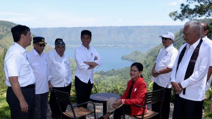 Ground Breaking Kawasan Wisata Danau Toba 10 Oktober, 7 Investor Tanamkan Modal Rp 6,1 Triliun. Presiden Jokowi dan Ibu Iriana serta jajaran Kabinetnya meninjau The Kaldera Toba Nomadic Escape yang terletak di Kabupaten Toba Samosir.