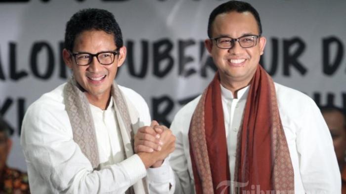 Gubernur Anies Baswedan dan mantan Wakil Gubernur DKI Jakarta Sandiaga Uno