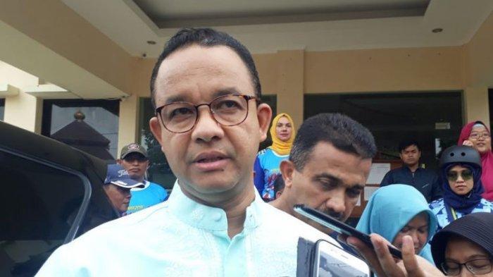 Gubernur DKI Jakarta Anies Baswedan di Kantor Lurah Cipinang Besar Selatan, Jakarta Timur, Minggu (15/12/2019).