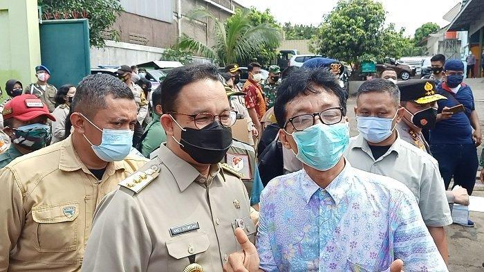 Gubernur DKI Jakarta Anies Baswedan menemui warga RT 08/06 Pulo Gebang, Jakarta, Selasa (9/2/2021).