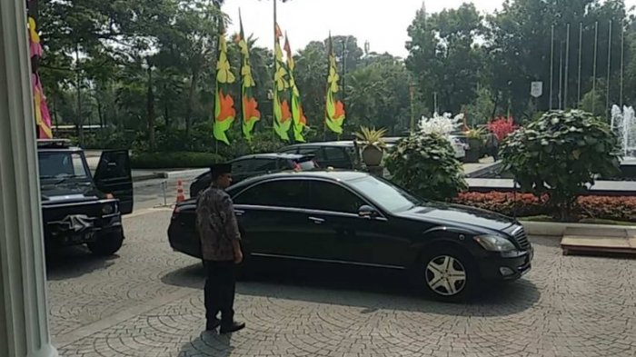 Jusuf Kalla Antar Anies Baswedan ke Kantornya