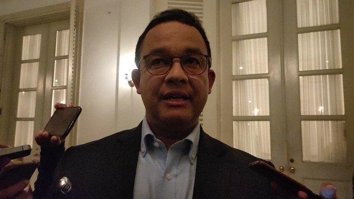 Anies Sempat Batasi Transjakarta hingga MRT: Antre di Luar Risiko Penularan Corona Lebih Rendah