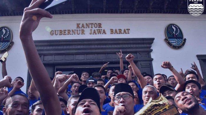 Gubernur Jawa Barat, Ridwan Kamil Bangga atas Prestasi yang Diraih Persib U-16 dan U-19