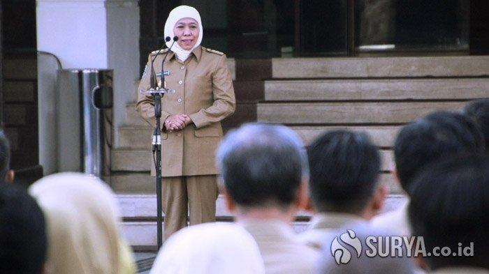 Gubernur Jawa Timur, Khofifah Indar Parawansa memberikan arahan soal harmonisasi di Jawa Timur dalam apel bersama ASN Pemprov Jawa Timur, Senin (19/8/2019). SURYA.co.id/Fatimatuz Zahro