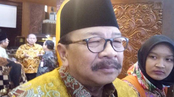 Mantan Gubernur Jawa Timur Soekarwo Mangkir dari Panggilan KPK