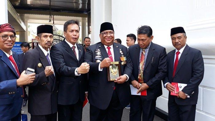 Gubernur Ali Mazi: Tanda Gelar Pahlawan Nasional Sultan Himayatuddin Akan Disimpan di Keraton Buton