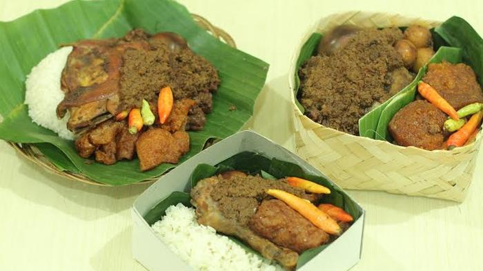 10 Tempat Makan Dekat Stasiun Tugu Yogyakarta, Coba Gudeg Jogja hingga Pecel Senggol