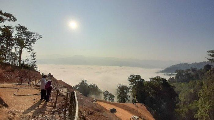 Negeri di Atas Awan Gunung Luhur yang Sempat Viral di Medsos Kembali Buka
