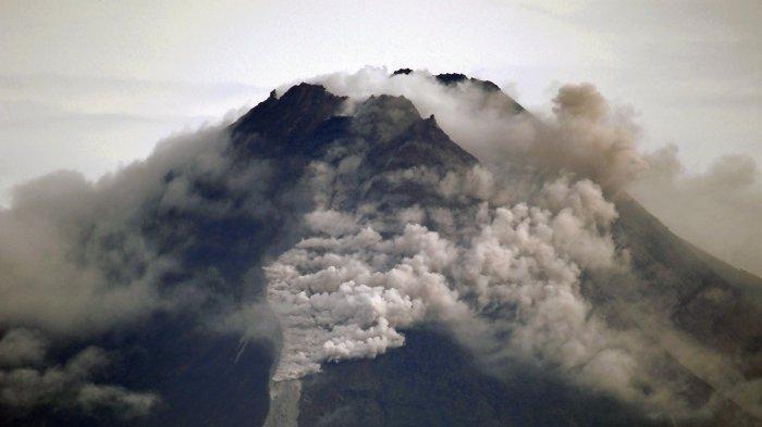 Gunung Merapi Meletus, BPBD Sebut Belum Ada Ancaman Bahaya Lebih Luas, Imbau Warga agar Tak Panik