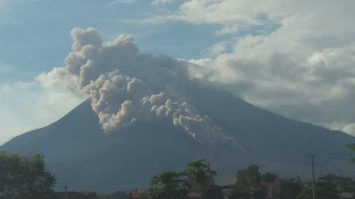 Erupsi Gunung Sinabung, Tinggi Kolom Abu Mencapai 5.000 Meter, Status di Level Siaga