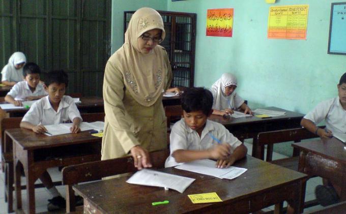 Kemenko PMK: Guru Miliki Peran Penting dalam Penanaman Karakter Generasi Muda