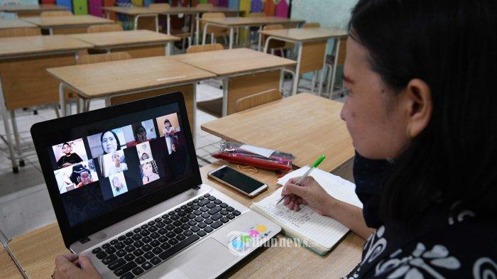 Kemendikbud: Siswa dengan Ekonomi Rendah Rentan Tertinggal Materi Pembelajaran Jarak Jauh