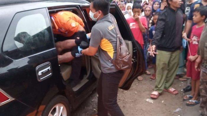 Kepala Sekolah Dasar Tasikmalaya Tewas Tanpa Celana di Dalam Mobil Kursi Belakang