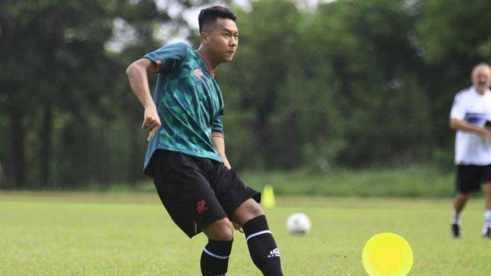 Gustur Cahyo Putro saat berlatih di Lapangan PMPP, Hambalang, Kabupaten Bogor
