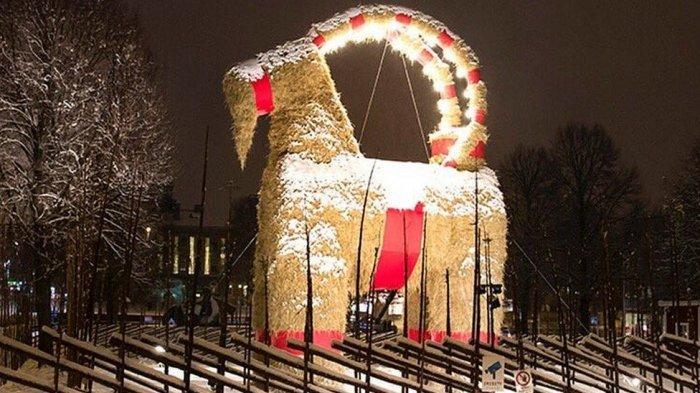 Gävle Goat untuk perayaan Natal di Swedia.
