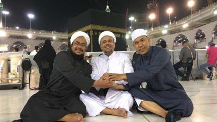 Habib Rizieq sedang berada di Masjidil Haram bersama Munarman dan Habib Muchsin (istimewa)
