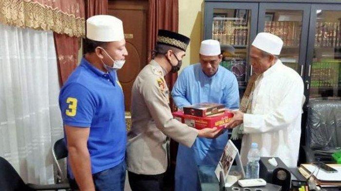 Sempat Bersitegang di Pos PSBB Surabaya, Habib Umar Assegaf dan Satpol PP Berdamai