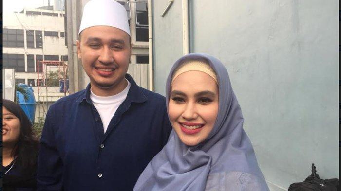 Habib Usman bin Yahya dan Kartika Putri saat ditemui di kawasan Jl. Kapten Tendean Jakarta Selatan, Selasa,(27/8/2019).