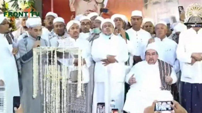 Imam Besar Front Pembela Islam (FPI) Habib Rizieq menghadiri peringatan Maulid Nabi Muhammad SAW di Tebet, Jakarta Selatan.