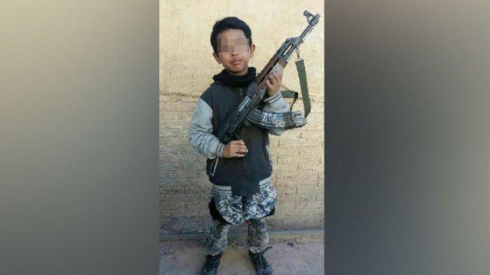 Kisah Bocah 11 Tahun Asal Bogor Direkrut ISIS & Tewas di Suriah, Bisa Bongkar Senapan Cuma 32 Detik