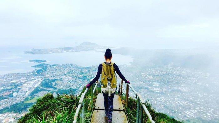 Turis yang Berkunjung di Hawaii Diwajibkan Sampaikan Informasi Kesehatan via Aplikasi