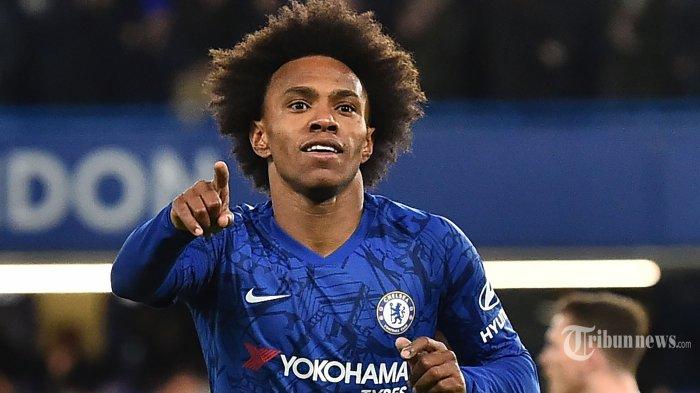 Pemain tengah Chelsea asal Brasil, Willian melakukan selebrasi usai mencetak gol pertama bagi timnya dalam laga babak kelima Piala FA antara Chelsea kontra Liverpool di Stadion Stamford Bridge, London, Inggris, Rabu (4/3/2020) dini hari WIB. Chelsea berhasil mengkandaskan Liverpool setelah menang dengan skor 2-0, The Blues pun melaju ke babak perempat final. AFP/Glyn Kirk