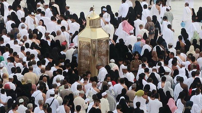 Suasana Masjidil Haram hari ini, Sabtu (6/7/2019) jelang kedatangan jemaah haji Indonesia. Sebanyak 1800 jemaah haji Indonesia asal Embarkasi Surabaya dan Batam hari ini dijadwalkan tiba di Madinah.
