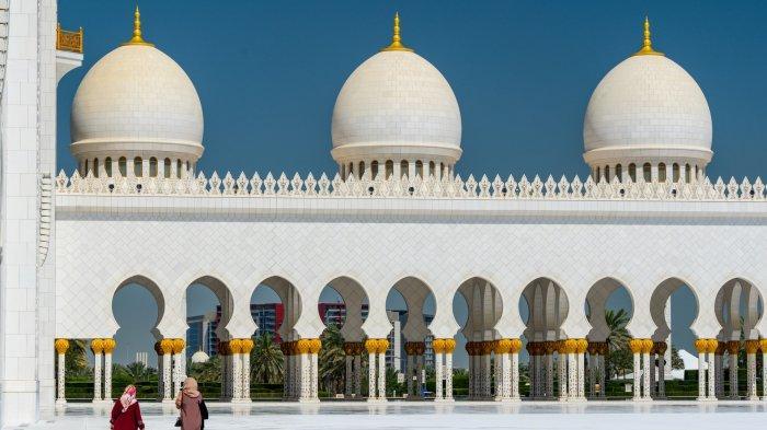 Ingin Liburan ke Abu Dhabi saat Pandemi? Wajib Pakai Gelang Pelacak Karantina