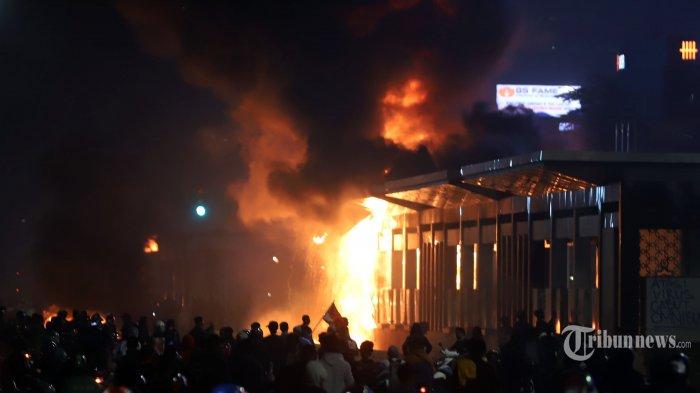 Fasilitas Umum Dibakar Massa, Tigor: Bagaimana Mau Disebut Pejuang Publik Jika Aset Publik Dirusak