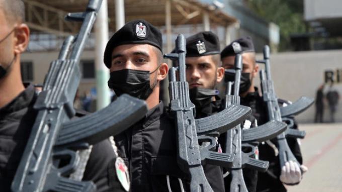 Pasukan keamanan HAMASPalestina pada upacara wisuda polisi di Kota Gaza, April 2021 - Siapa itu HAMAS?