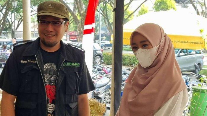 Pegiat dakwah Hanny Kristianto dalam pertemuan silaturahim dengan Larissa Chou di Kota Baru Parahyangan, Jawa Barat, Rabu (8/9/2021). Foto ini diunggah di akun Instagram Hanny Kristianto.