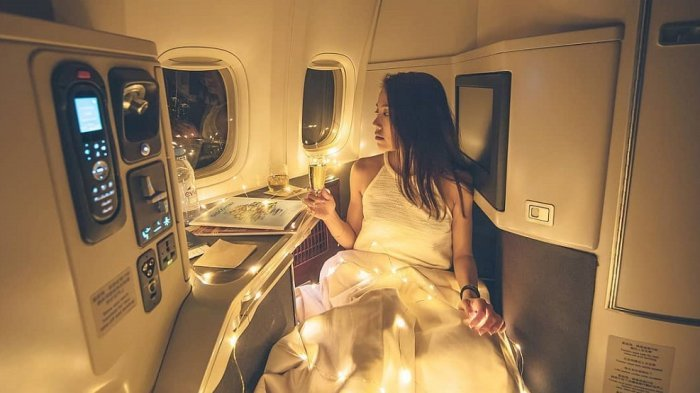 Bawa Barang Tak Lazim di Penerbangan Kelas Bisnis, Selebgram Asal Hongkong Dikecam