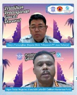 Haryo Pamungkas (atas) dan Kasubdit Laka Dit Gakkum Korlantas
