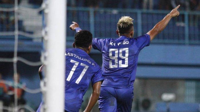 Jelang Arema FC vs Persib Bandung, Menanti Daya Ledak Serangan Singo Edan & Maung Bandung