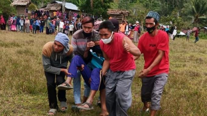 Helikopter BNPB Evakuasi Warga Sakit yang Terisolir Akibat Gempa Sulbar