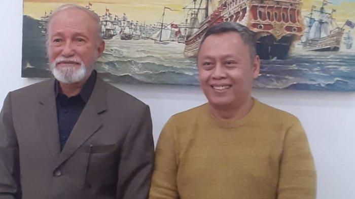 Suhendra Hadikuntono (kanan) dan Wali Nanggroe Aceh Tengku Malik Mahmud Al-Haytar. (Istimewa).