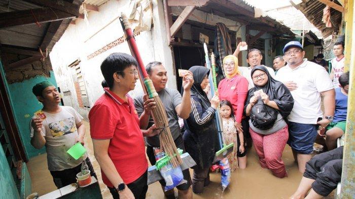 Dirikan Posko Pengobatan & Komunikasi Gratis di Wilayah Banjir Jakarta dan Banten