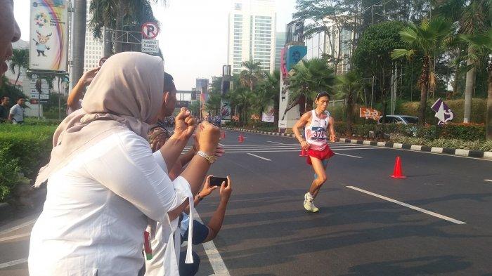 Dengan Teriakan Keras, Ira Beri Dukungan untuk Hendro di Nomor Jalan Cepat Putra 50 Meter