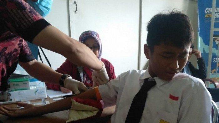 Setelah Ratusan Siswa SMPN 20 Depok Terjangkit Hepatitis A, Pedagang Jajanan Diperiksa Dinkes