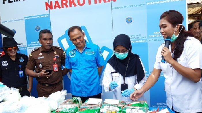 BNN Musnahkan 142 Kg Sabu dan Ratusan Ribu Pil Ekstasi