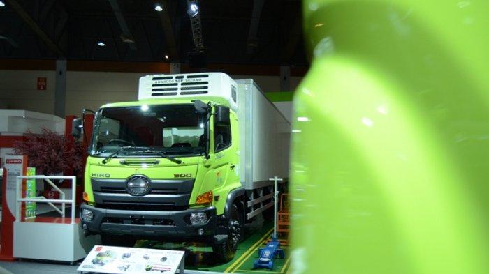 Hino Tawarkan Solusi Bisnis Transportasi Kargo dan Penumpang di GIICOMVEC