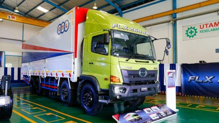 Hino Ranger FLX 260 JW 8x2, Truk Logistik untuk Atasi Pembatasan Muatan di Regulasi ODOL