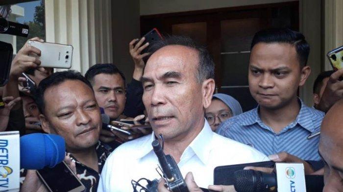 Kepala Badan Siber dan Sandi Negara (BSSN), Letjen TNI (Purn) Hinsa Siburian saat ditemui di kantor Kemenko Polhukam, Jalan Medan Merdeka Barat, Jakarta, Jumat (30/8/2019).