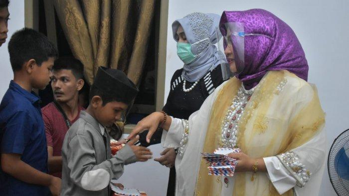 Malam Tahun Baru, Hj. Rizayati Santuni Anak Yatim dan Gelar Doa Bersama