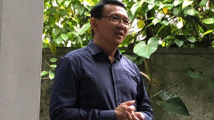 Penampilan Basuki Tjahaja Purnama alias Ahok usai bebas dari Rutan Mako Brimob Kelapa Dua, Depok, Kamis (24/1/2019).