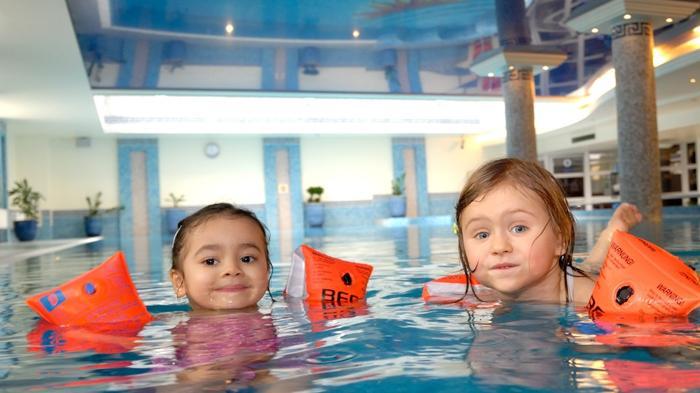 Bingung Pilih Hotel Saat Liburan Bersama Anak? Pertimbangkan 7 Hal Ini