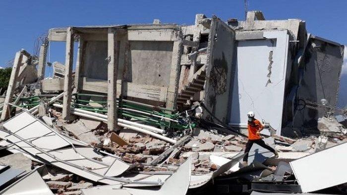 Pria Ini Ungkap Dahsyatnya Gempa yang Terjadi di Palu, 'Jalan Aspal Tiba-tiba Menekuk'