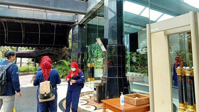 Suasana Hotel The Media usai direlakan jadi tempat beristirahat petugas medis virus corona, Minggu (22/3/2020).